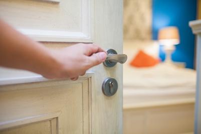 Sfaturi pentru alegerea deschiderii ușilor interioare